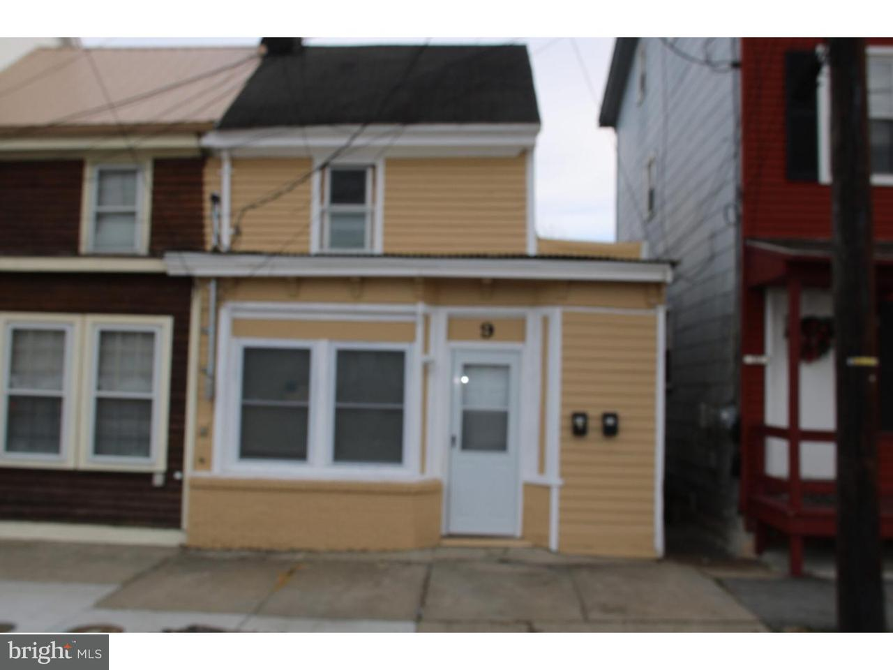 дуплекс для того Аренда на 9A MADISON Avenue Mount Holly, Нью-Джерси 08060 Соединенные Штаты