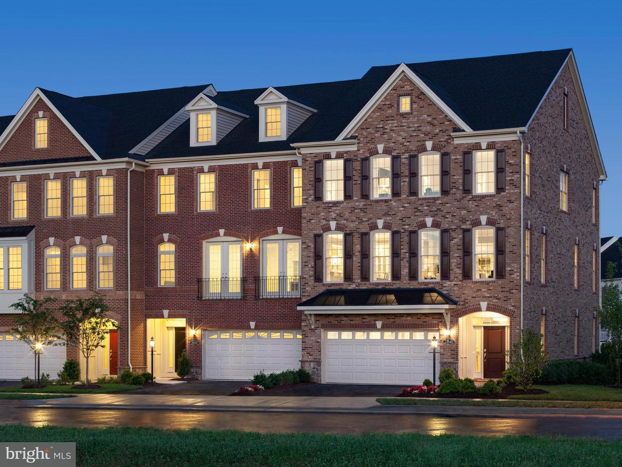 Casa unifamiliar adosada (Townhouse) por un Venta en 22549 WINDSOR LOCKS SQ 22549 WINDSOR LOCKS SQ Ashburn, Virginia 20148 Estados Unidos