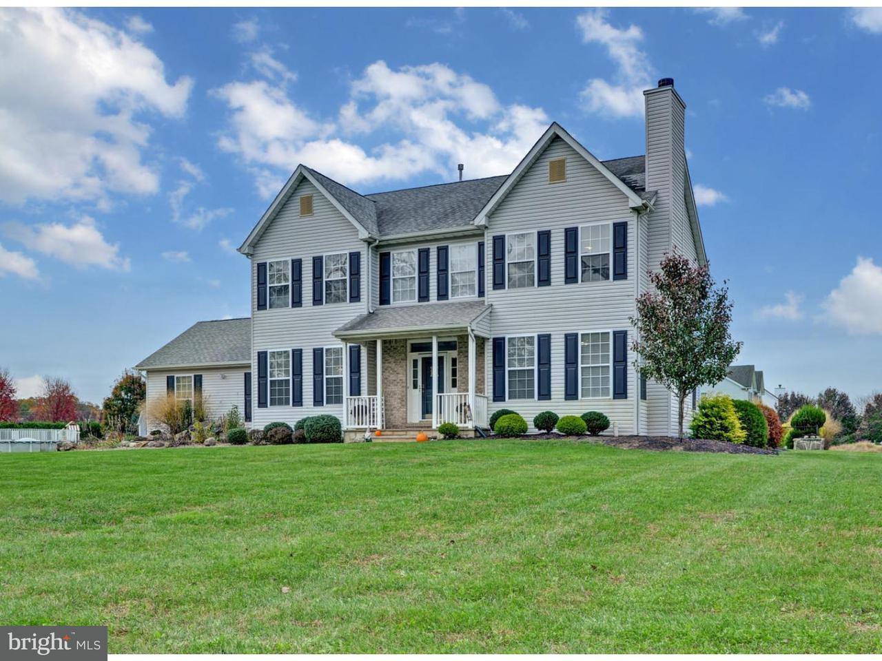 Maison unifamiliale pour l Vente à 19 HUCKLEBERRY Lane New Egypt, New Jersey 08533 États-Unis