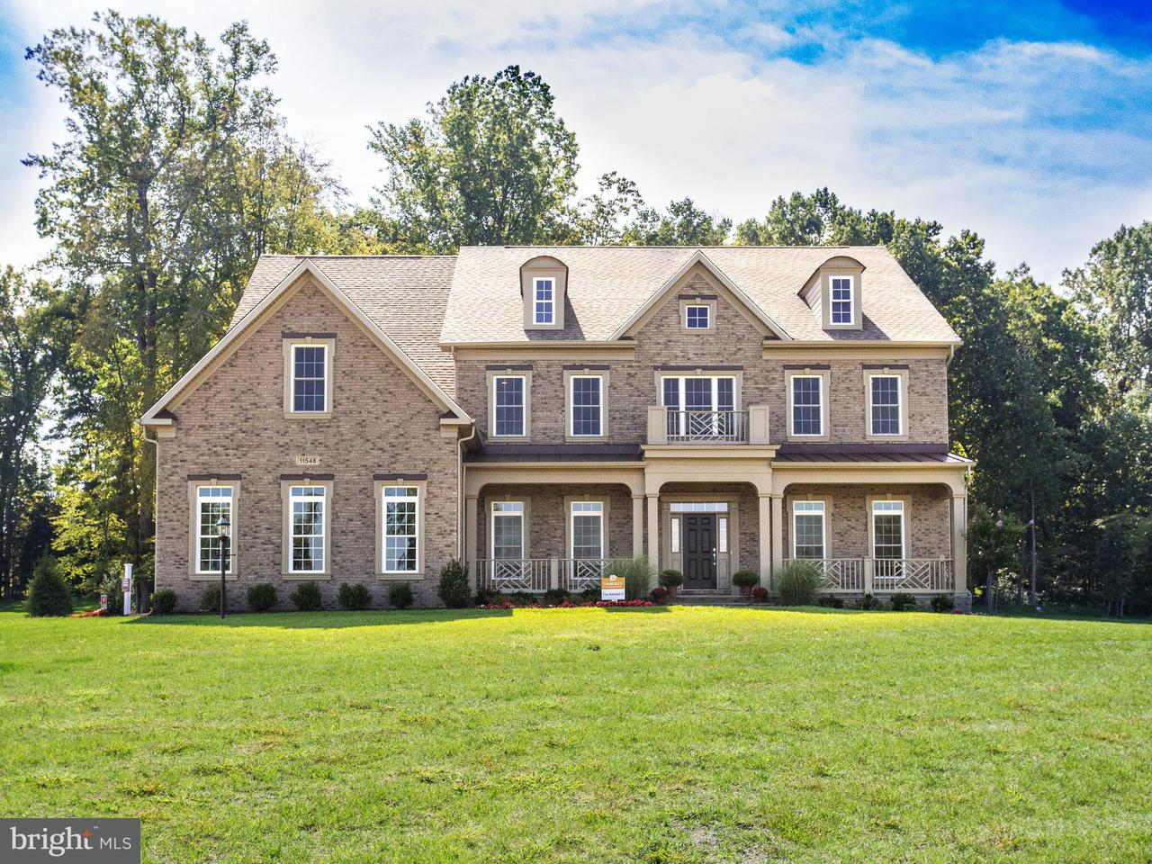 Villa per Vendita alle ore 11548 Northview Trail 11548 Northview Trail Oakton, Virginia 22124 Stati Uniti