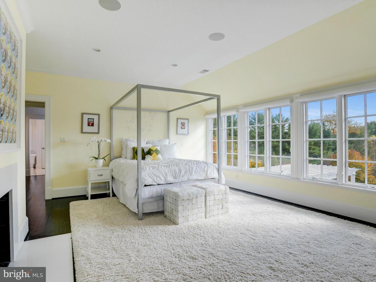 Additional photo for property listing at 10700 RED BARN Lane 10700 RED BARN Lane Potomac, Maryland 20854 United States