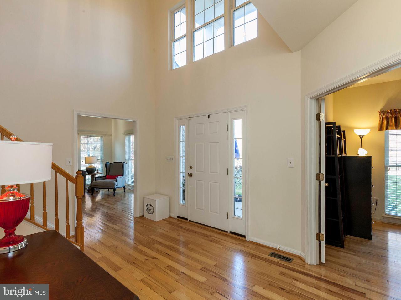 Maison unifamiliale pour l Vente à 19304 CISSEL MANOR Drive 19304 CISSEL MANOR Drive Poolesville, Maryland 20837 États-Unis