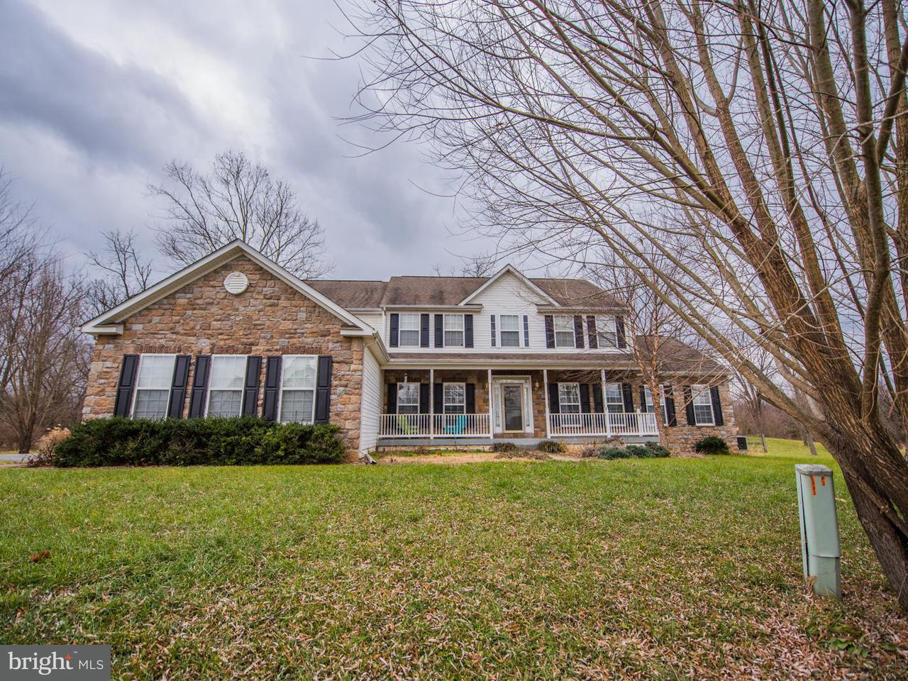 独户住宅 为 销售 在 260 SUNDANCE Lane 260 SUNDANCE Lane Kearneysville, 西弗吉尼亚州 25430 美国