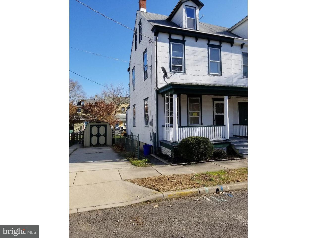 Casa unifamiliar adosada (Townhouse) por un Alquiler en 423 WOOD Street Burlington, Nueva Jersey 08016 Estados Unidos