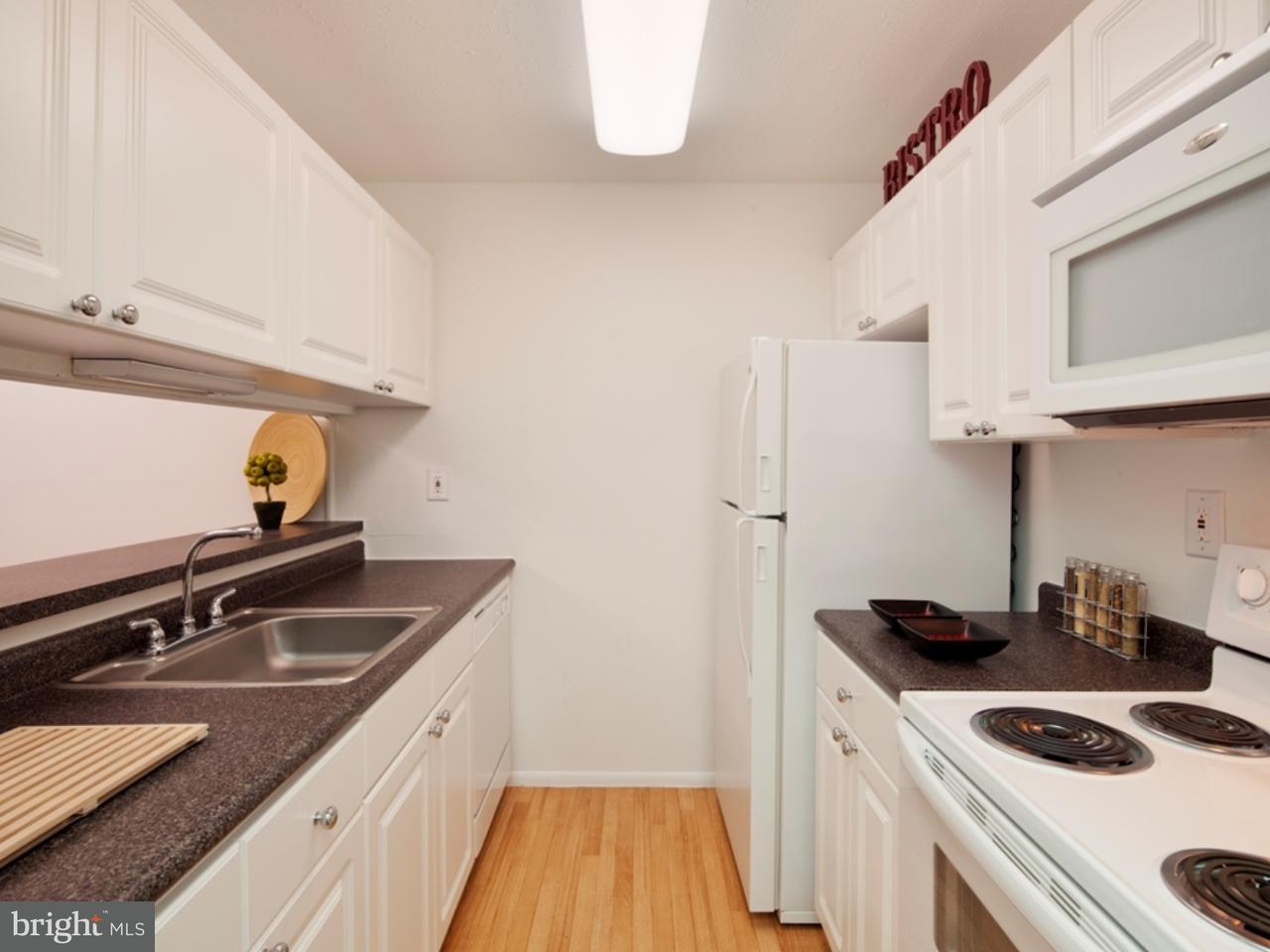 Частный односемейный дом для того Аренда на 1410 E BUTLER PIKE #MDL22C Ambler, Пенсильвания 19002 Соединенные Штаты