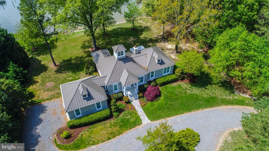 Herenhuis voor Verkoop een t 520 Peaceful Harbor Lane 520 Peaceful Harbor Lane Hague, Virginia 22469 Verenigde Staten