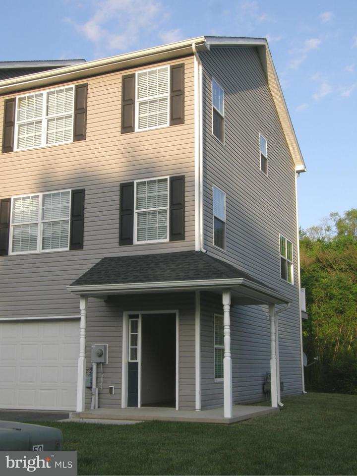 Other Residential for Rent at 215 Crown Ct Waynesboro, Pennsylvania 17268 United States