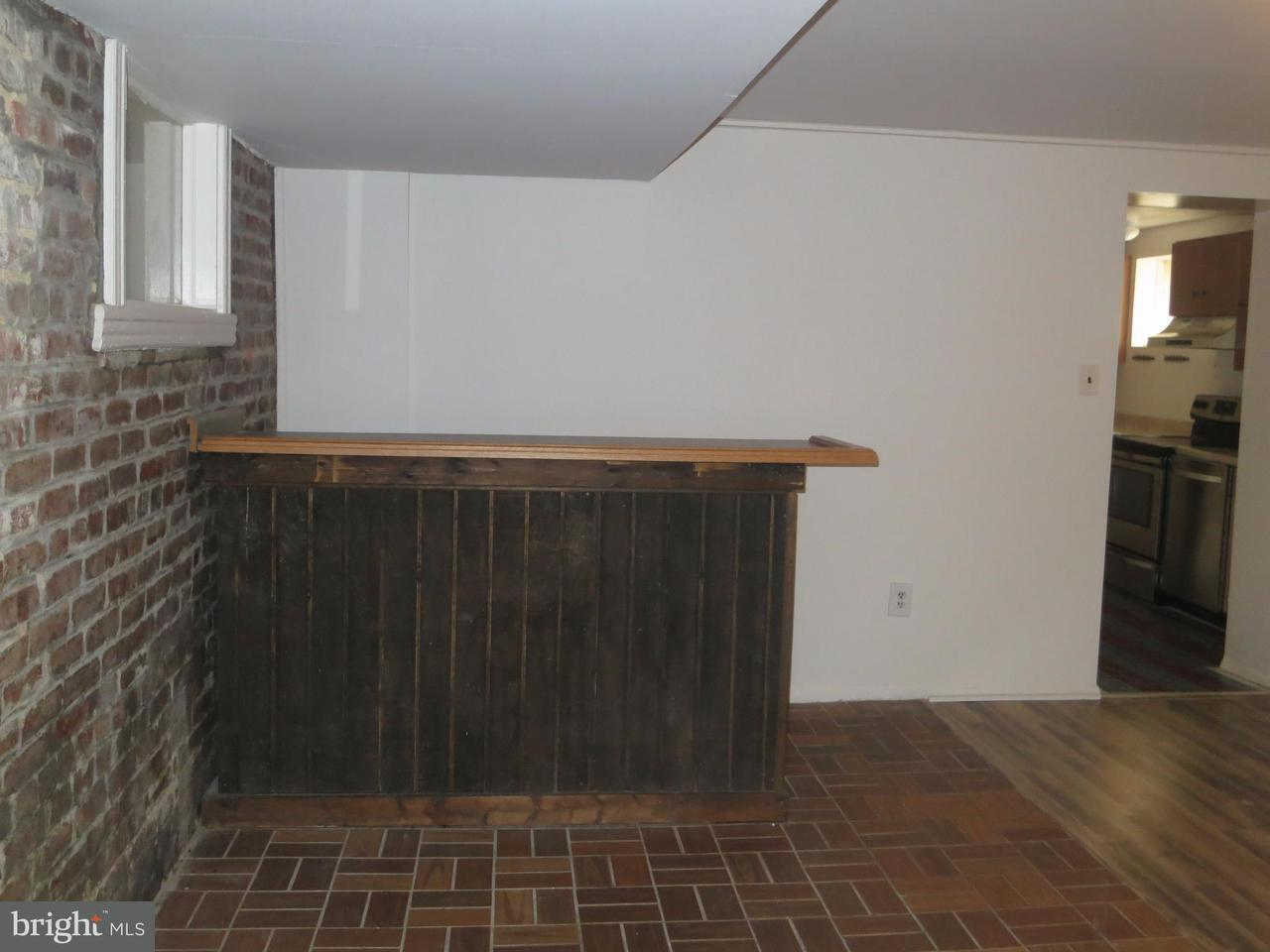 Additional photo for property listing at 323 11th St NE #b  Washington, District Of Columbia 20002 United States