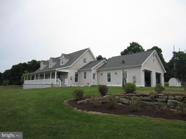 Ferme pour l Vente à 9743 BITTINGER Road 9743 BITTINGER Road Swanton, Maryland 21561 États-Unis