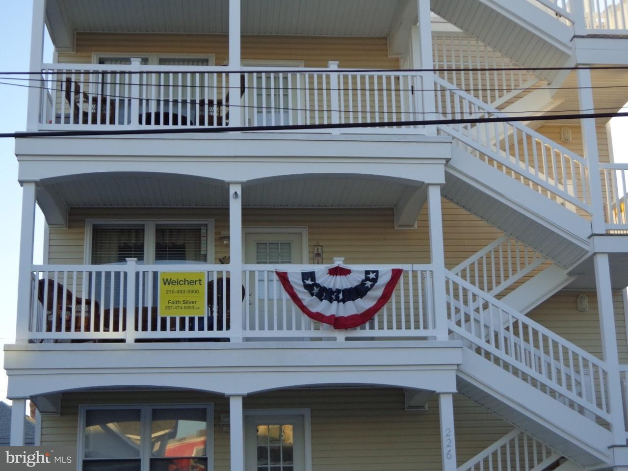 Частный односемейный дом для того Продажа на 225 E JUNIPER AVE #2N Wildwood City, Нью-Джерси 08260 Соединенные Штаты