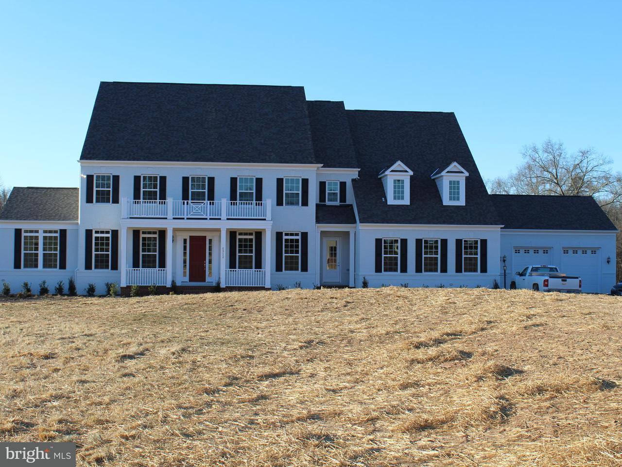獨棟家庭住宅 為 出售 在 6912 CHELNHAM Court 6912 CHELNHAM Court Centreville, 弗吉尼亞州 20120 美國