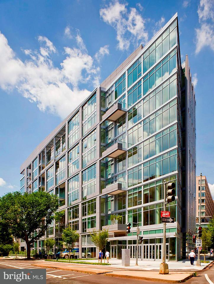 Condominium for Rent at 1177 22nd St NW #4b Washington, District Of Columbia 20037 United States