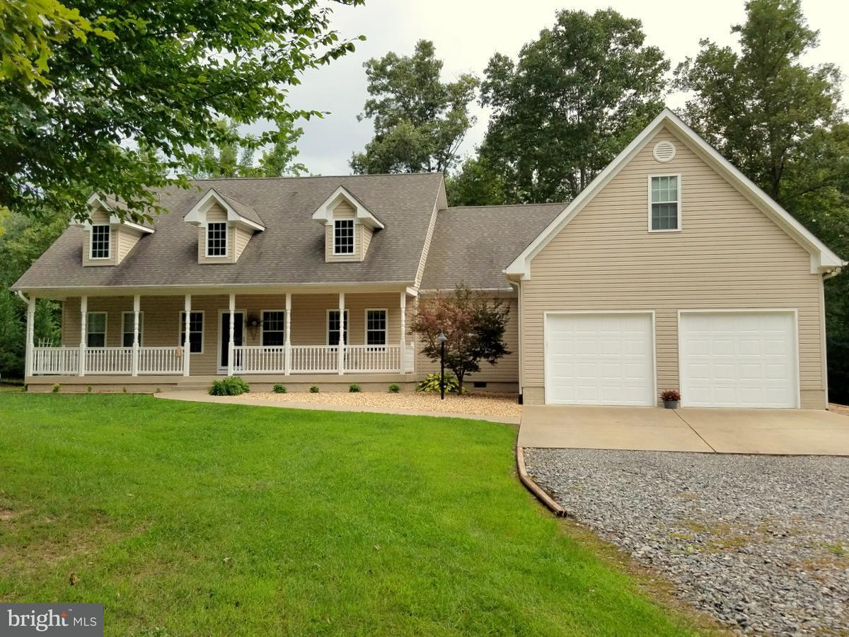 Single Family Home for Sale at 9190 CLIFTON Road 9190 CLIFTON Road Woodford, Virginia 22580 United States