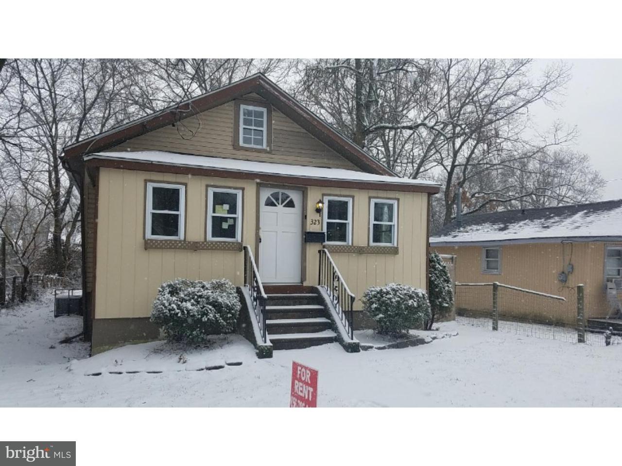 Maison unifamiliale pour l à louer à 323 W EVERGREEN Avenue Somerdale, New Jersey 08083 États-Unis