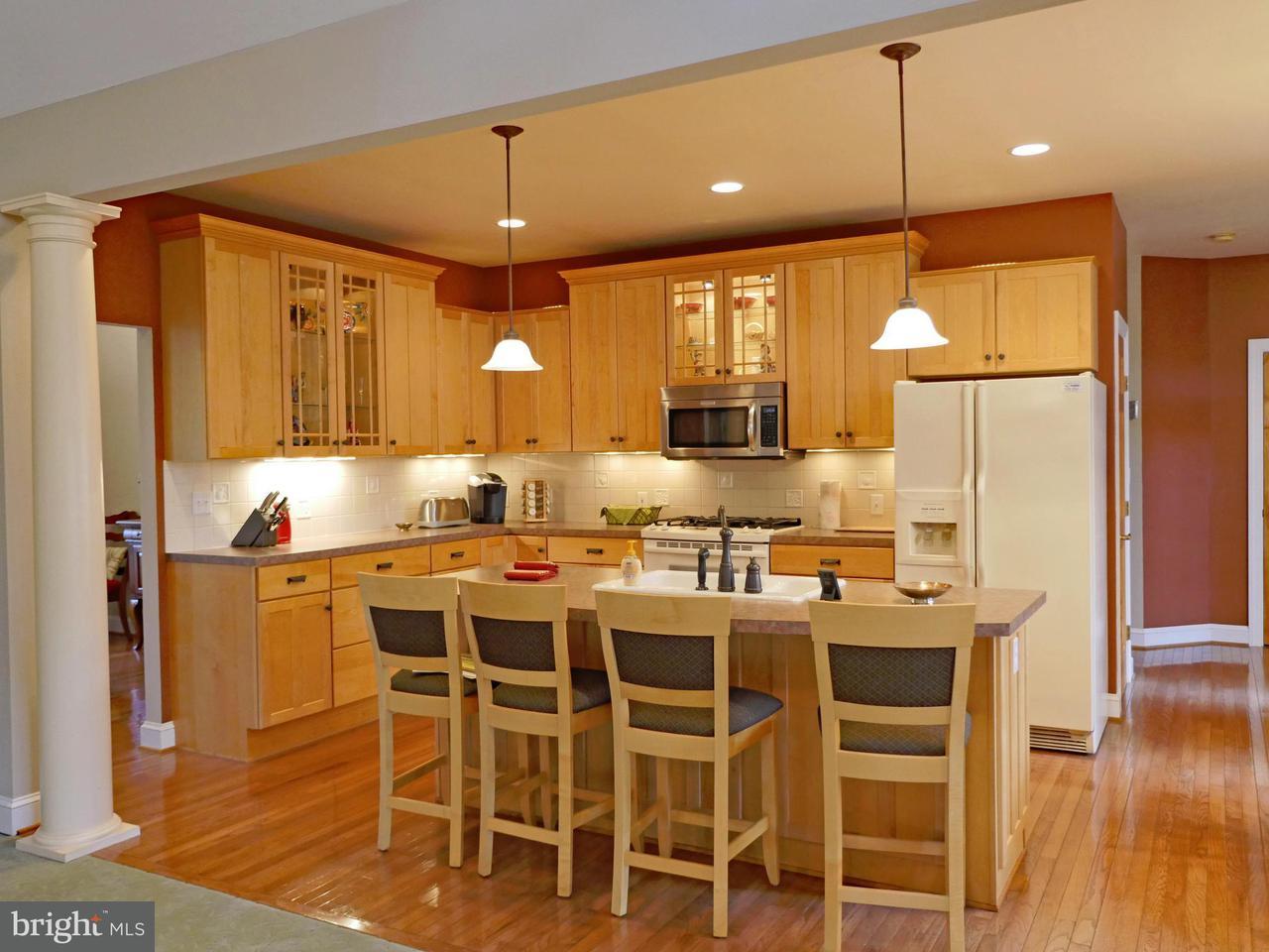 Additional photo for property listing at 36 Manor Drive 36 Manor Drive Edinburg, 弗吉尼亞州 22824 美國