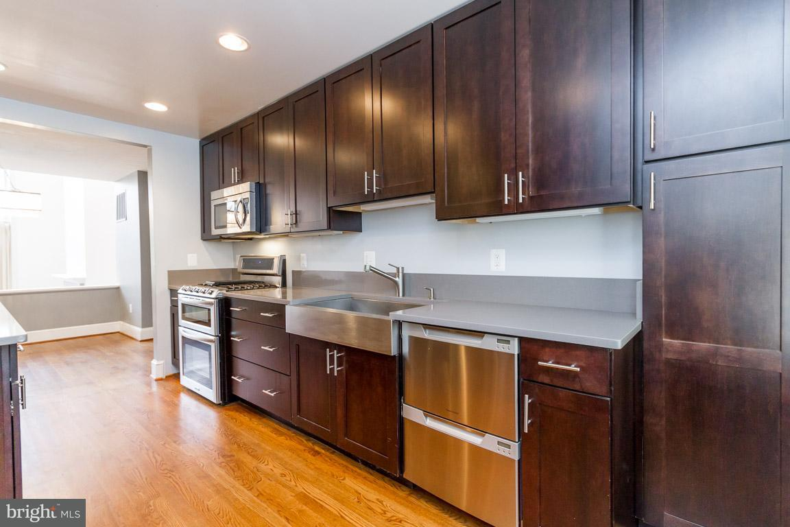 Additional photo for property listing at 3966 Georgetown Ct NW  Washington, District Of Columbia 20007 United States