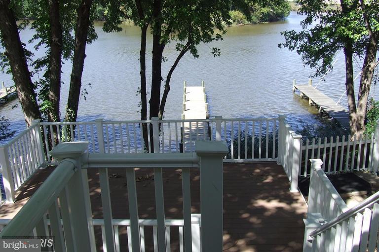 Eensgezinswoning voor Verkoop een t 1214 RIVERSIDE Drive 1214 RIVERSIDE Drive Curtis Bay, Maryland 21226 Verenigde Staten