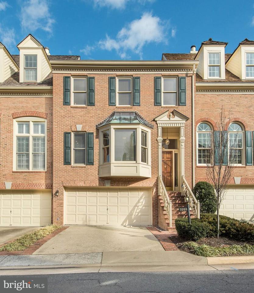 Townhouse for Sale at 1444 Hampton Ridge Drive 1444 Hampton Ridge Drive McLean, Virginia 22101 United States