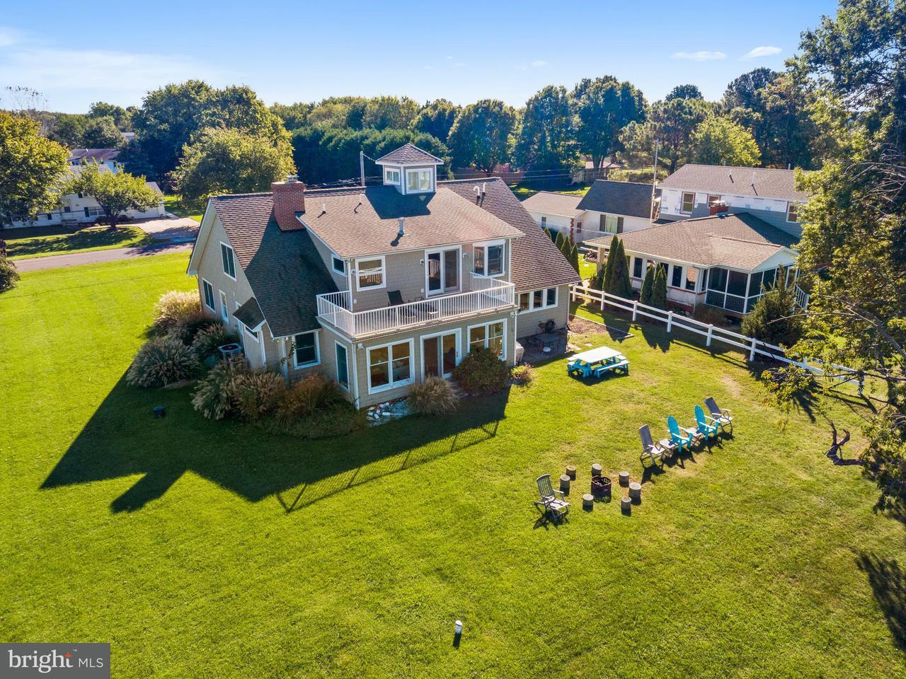 獨棟家庭住宅 為 出售 在 222 BEACHSIDE Drive 222 BEACHSIDE Drive Stevensville, 馬里蘭州 21666 美國