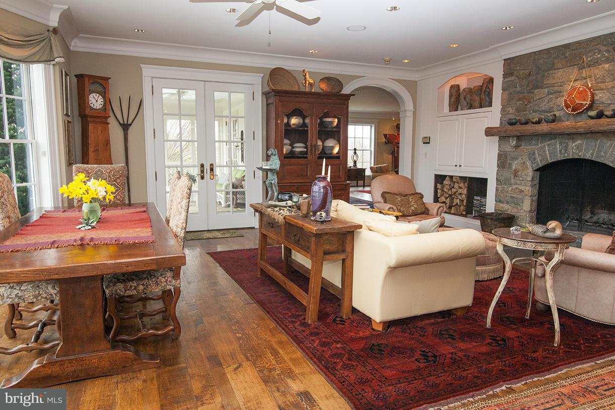 Additional photo for property listing at 13223 Loyalty Rd  Leesburg, Virginia 20176 United States