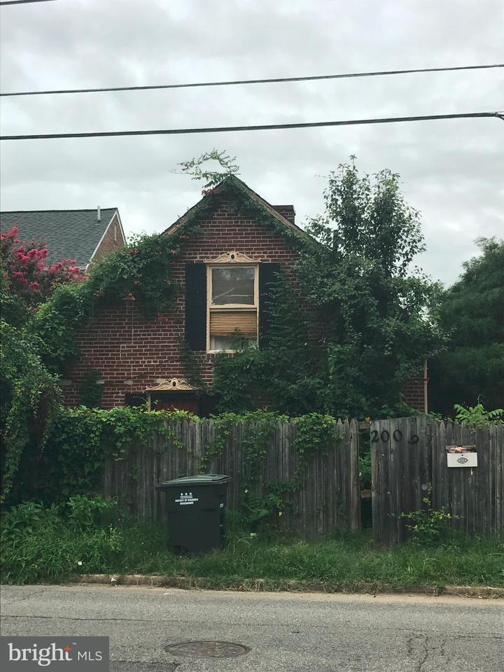 Single Family for Sale at 2006 Bunker Hill Rd NE Washington, District Of Columbia 20018 United States
