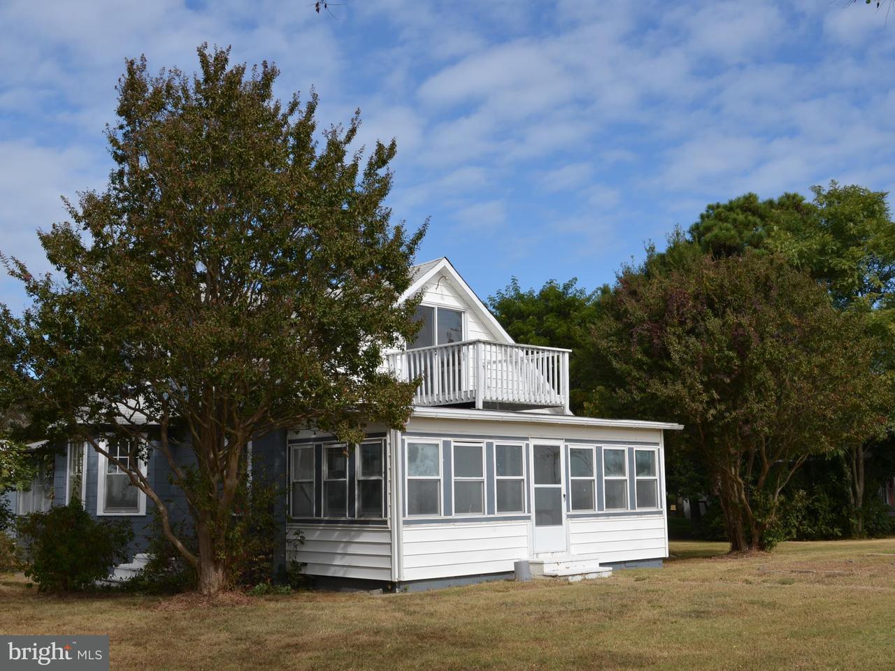 Частный односемейный дом для того Продажа на 11026 BEACH Drive 11026 BEACH Drive Lusby, Мэриленд 20657 Соединенные Штаты