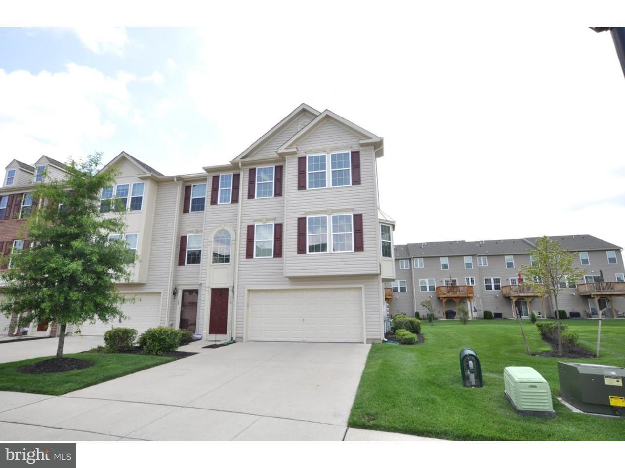 Casa unifamiliar adosada (Townhouse) por un Alquiler en 110 HELEN Drive Cinnaminson, Nueva Jersey 08077 Estados Unidos