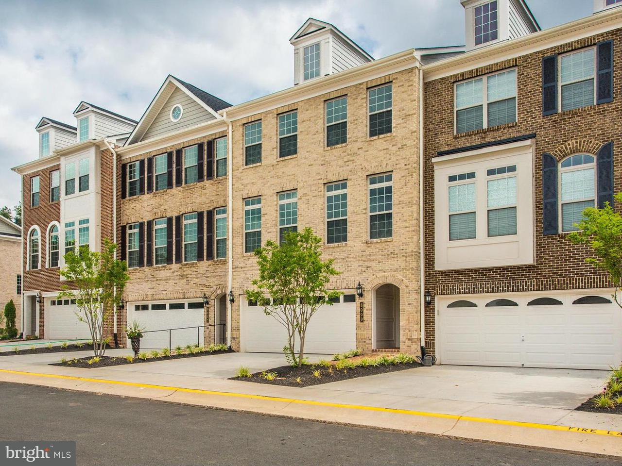 Townhouse for Sale at 8002 TURTLE CREEK Circle 8002 TURTLE CREEK Circle Gainesville, Virginia 20155 United States
