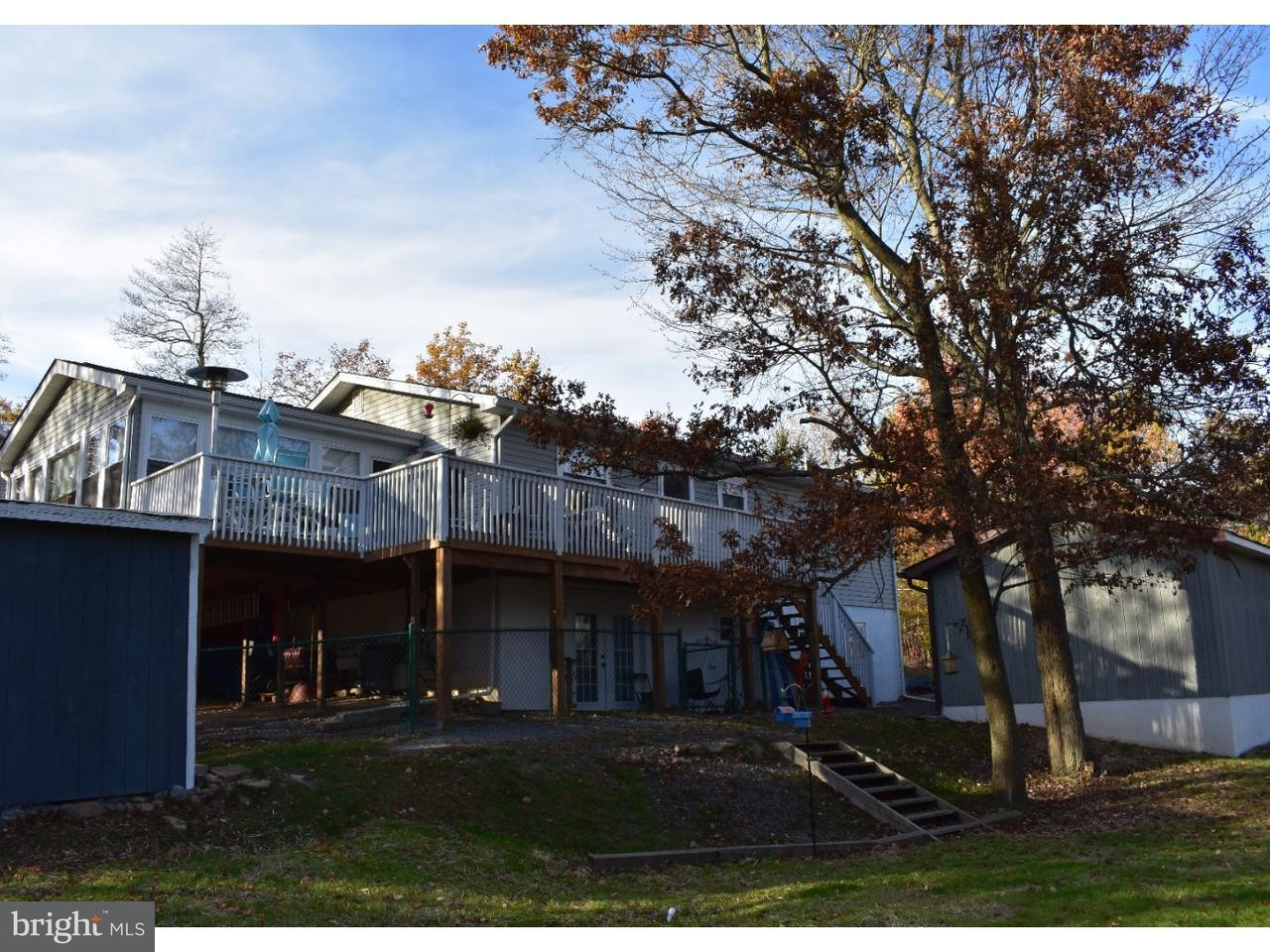 Casa Unifamiliar por un Venta en 122 COUNTRY Court Long Pond, Pennsylvania 18334 Estados Unidos