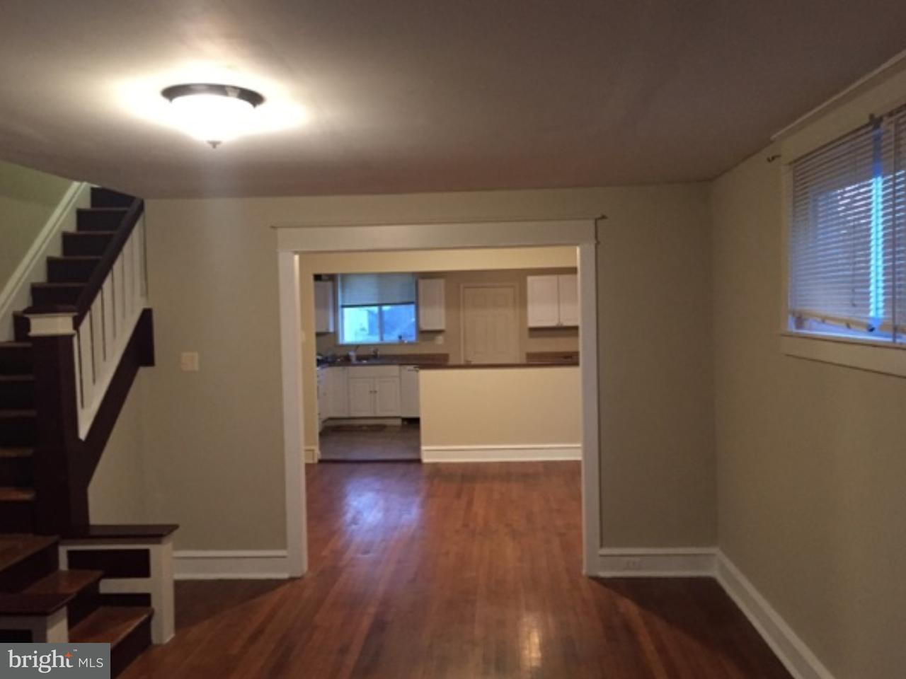 联栋屋 为 销售 在 407 PEMBROKE Avenue East Lansdowne, 宾夕法尼亚州 19050 美国
