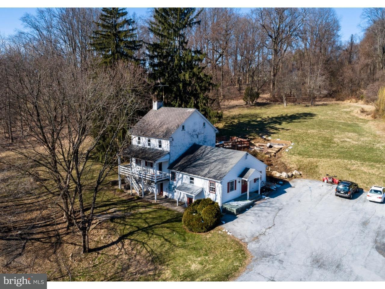 Maison unifamiliale pour l Vente à 1050 PIKE SPRINGS Road Phoenixville, Pennsylvanie 19460 États-Unis