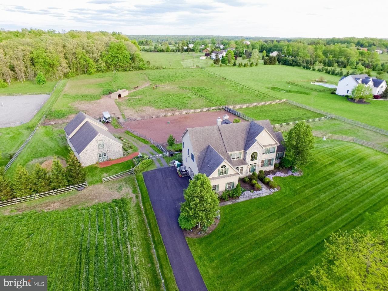 独户住宅 为 销售 在 2935 FRETZ VALLEY Road Perkasie, 宾夕法尼亚州 18944 美国