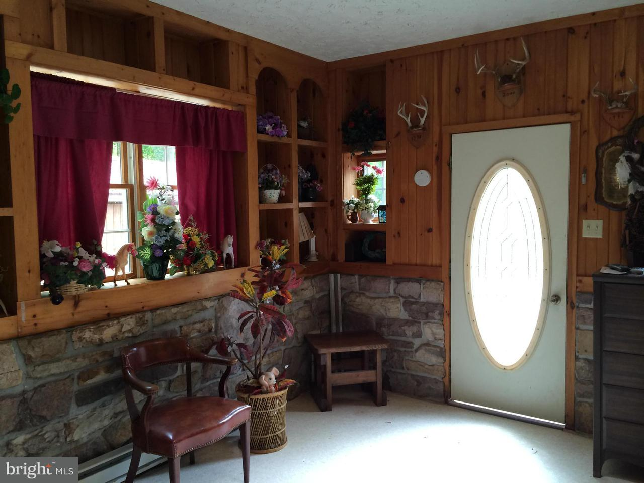 Additional photo for property listing at 7125 Horse Valley Road 7125 Horse Valley Road East Waterford, Pennsylvanie 17021 États-Unis