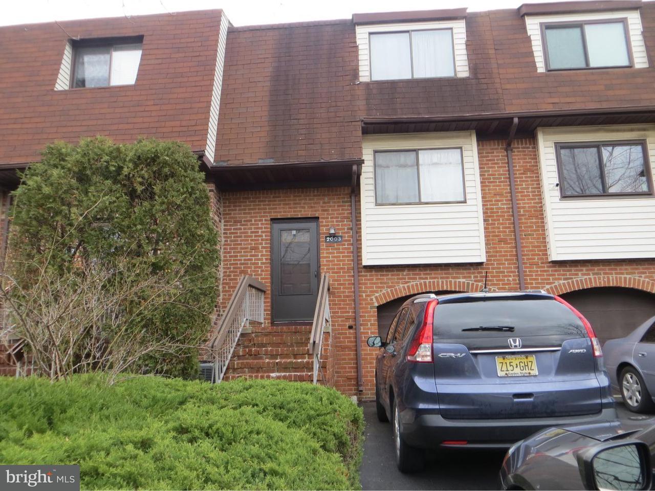 Maison accolée pour l à louer à 2003 N OAKS BLVD North Brunswick, New Jersey 08902 États-Unis