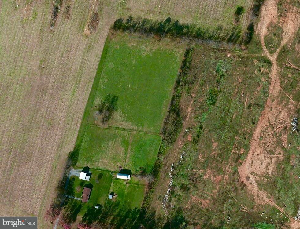 Terrain pour l Vente à 5.42 Acres Basset Lane 5.42 Acres Basset Lane Ranson, Virginie-Occidentale 25438 États-Unis