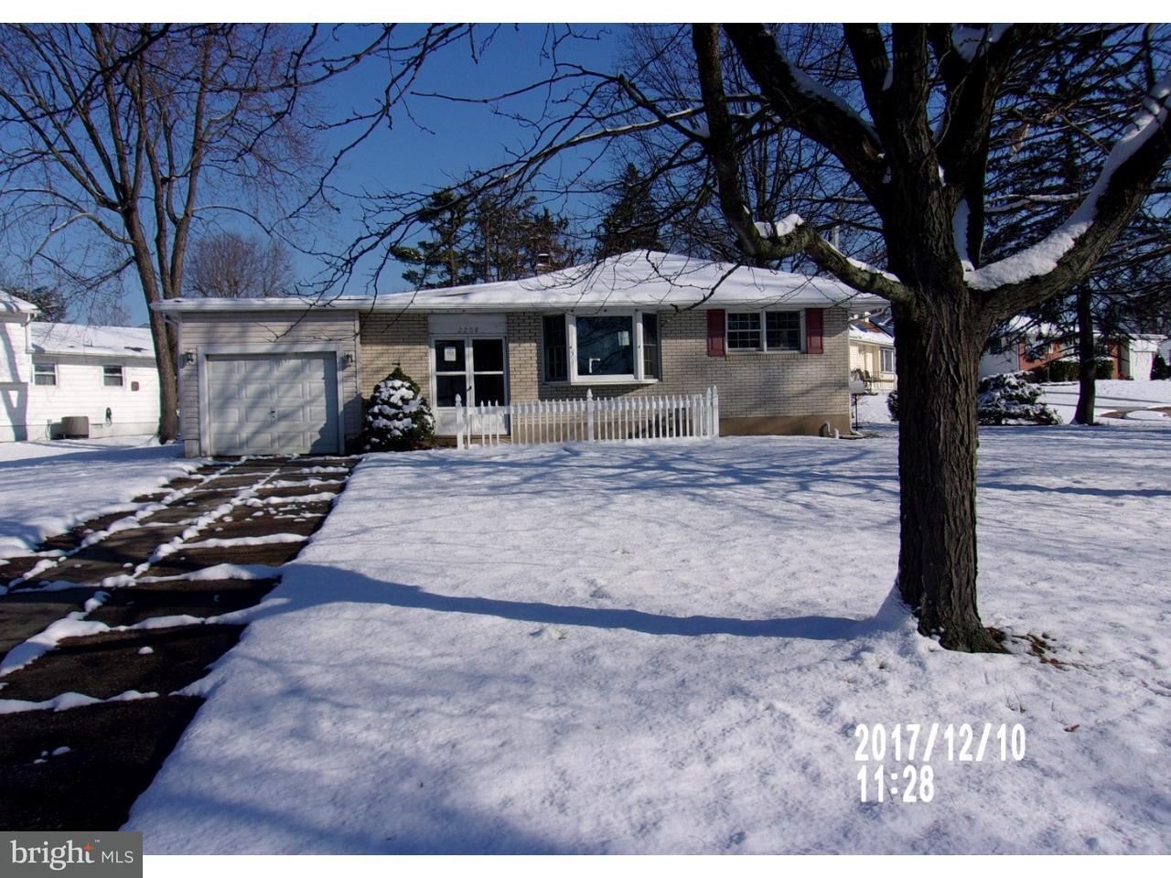 Частный односемейный дом для того Продажа на 2208 CONROW Road Cinnaminson Township, Нью-Джерси 08077 Соединенные Штаты