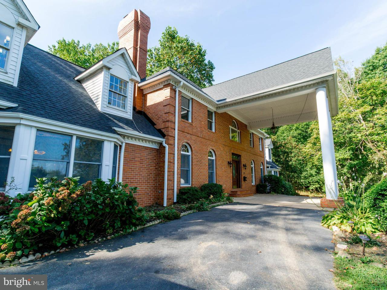 Einfamilienhaus für Verkauf beim 5723 HUNTON WOOD Drive 5723 HUNTON WOOD Drive Broad Run, Virginia 20137 Vereinigte Staaten