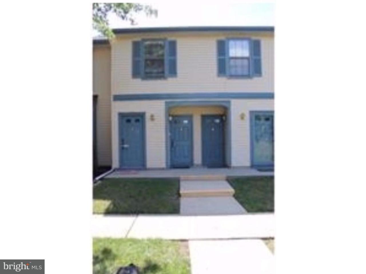 Casa unifamiliar adosada (Townhouse) por un Alquiler en 4 WYNDHAM Place Robbinsville, Nueva Jersey 08691 Estados UnidosEn/Alrededor: Robbinsville Township