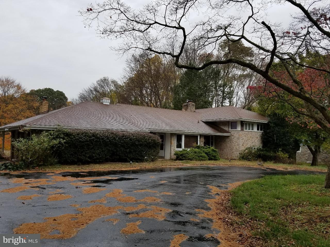 独户住宅 为 销售 在 27 PINE TREE Drive Broomall, 宾夕法尼亚州 19008 美国