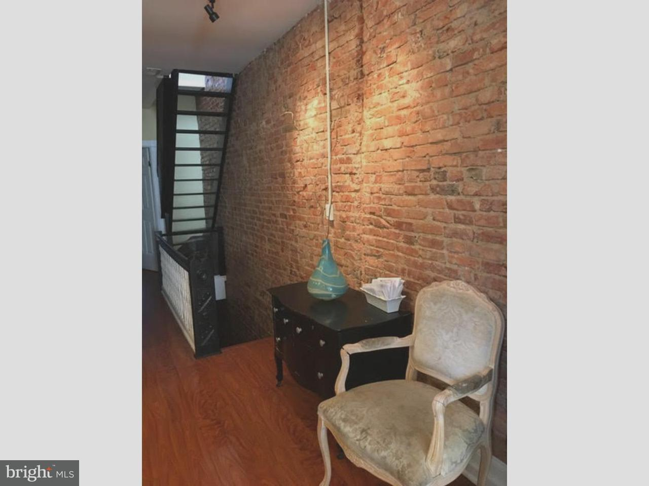 联栋屋 为 出租 在 422 CHAMBERS Avenue Camden, 新泽西州 08103 美国