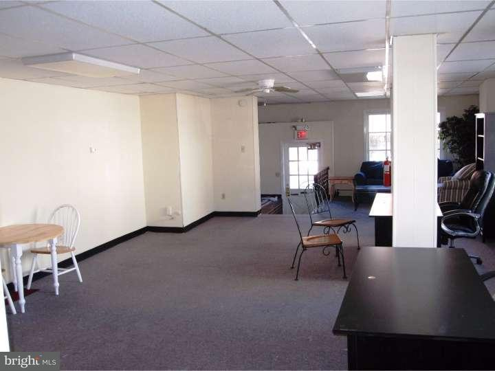 Additional photo for property listing at 404 N CHARLOTTE Street  Pottstown, Pennsylvania 19464 United States