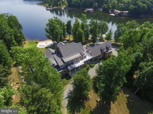 Property for sale at 542 Twin Lakes Ln, Bumpass,  VA 23024