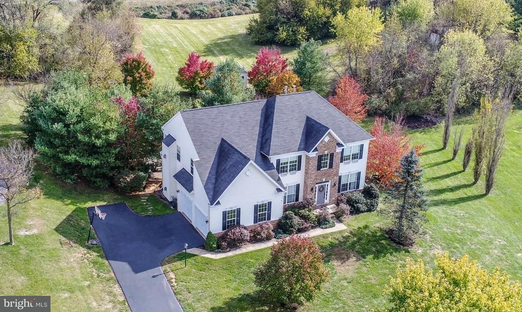 独户住宅 为 销售 在 18051 Knoll Drive 18051 Knoll Drive Fairplay, 马里兰州 21733 美国