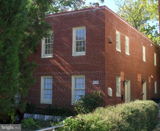 Condominium for Rent at 422 Payne St Alexandria, Virginia 22314 United States