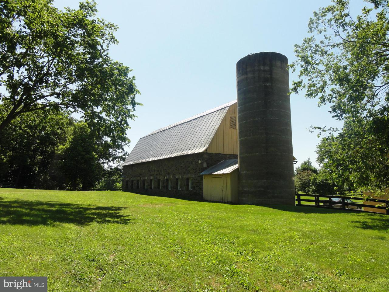 Φάρμα για την Πώληση στο 17864 SILCOTT SPRINGS Road 17864 SILCOTT SPRINGS Road Purcellville, Βιρτζινια 20132 Ηνωμενεσ Πολιτειεσ