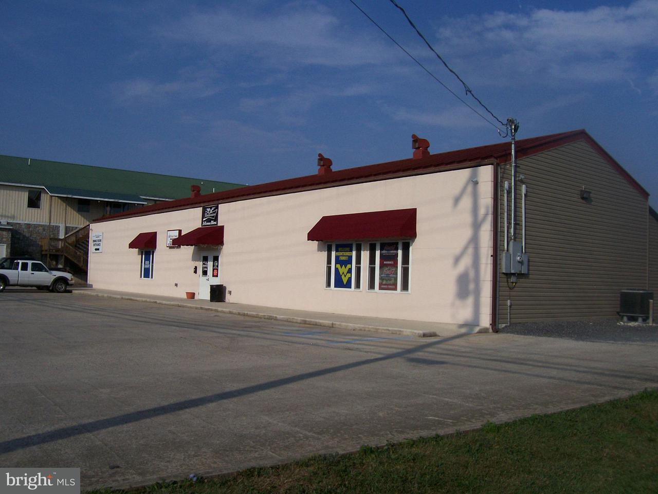 Comercial para Venda às 716 NORTH MAIN Street 716 NORTH MAIN Street Moorefield, West Virginia 26836 Estados Unidos