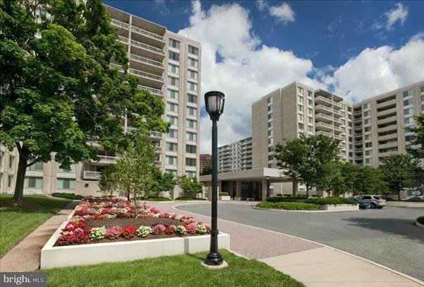 Condominium for Rent at 1600 S Eads #002/2 Arlington, Virginia 22202 United States