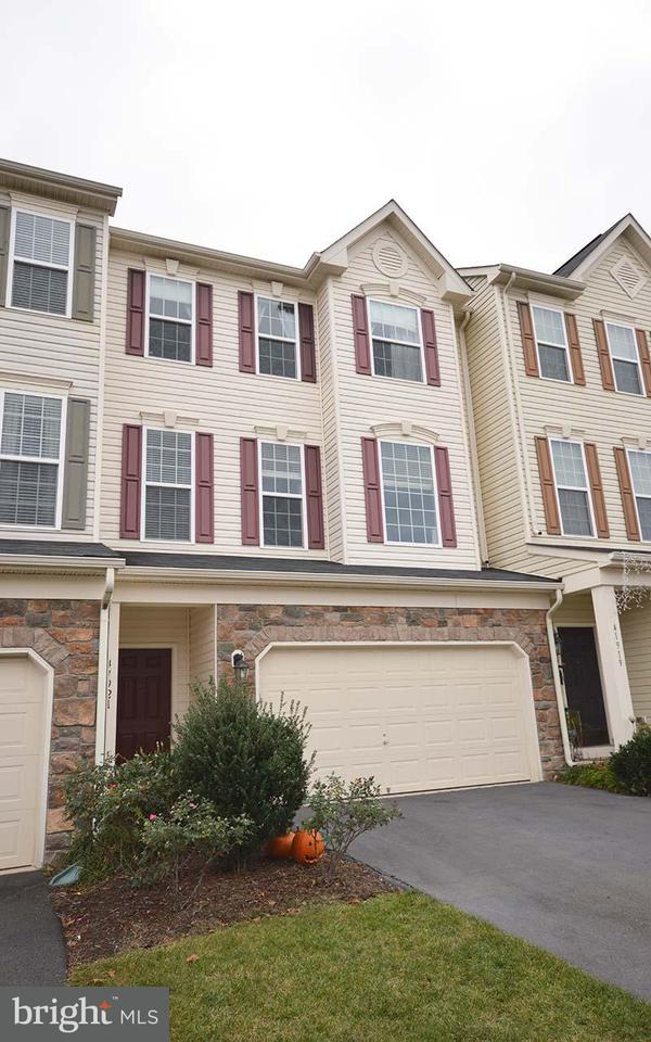 Townhouse for Sale at 41921 MORELAND MINE TER 41921 MORELAND MINE TER Aldie, Virginia 20105 United States