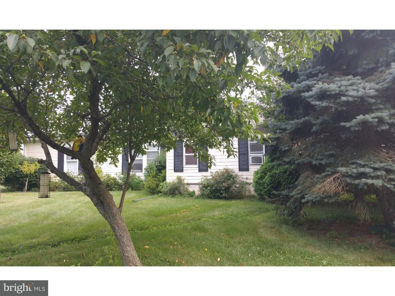 独户住宅 为 销售 在 77 HEFFNER Road Limerick, 宾夕法尼亚州 19468 美国