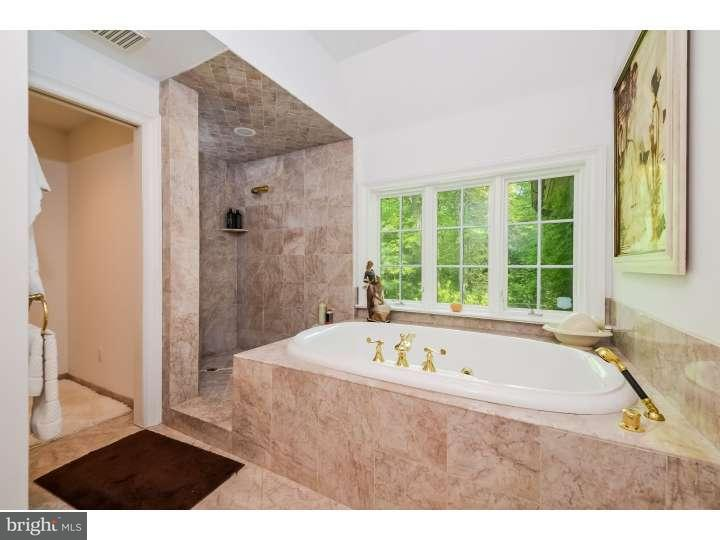 Additional photo for property listing at 807 RIVERTON Road  Moorestown, New Jersey 08057 États-Unis